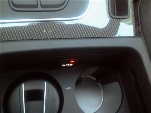 Audi SQ5 3.0 TFSI 2018 подстаканники