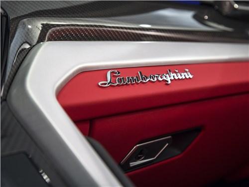 Lamborghini Urus 2019 отделка салона