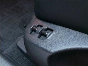 Infiniti QX70 2015 передние кресла