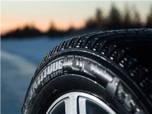 Новая зимняя шипованная шина Michelin Latitude X-Ice North 2+. Мне не скользко!