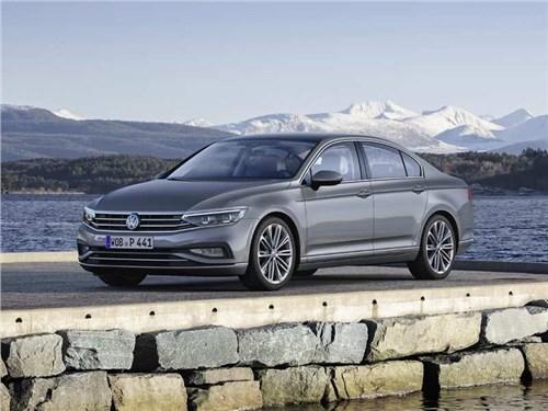 В моторную гамму Volkswagen Passat вернули двухлитровый агрегат