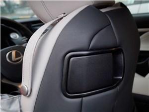 Lexus RC F Sport 2014 переднее сиденье
