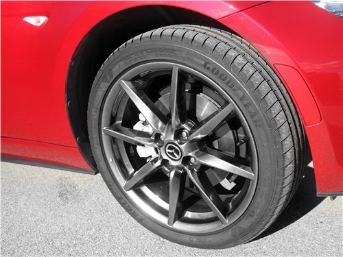 Mazda MX-5 2015 переднее колесо