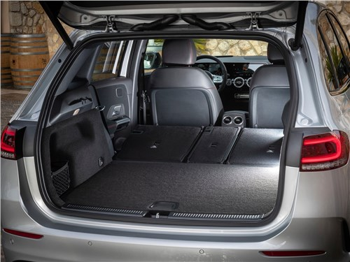 Предпросмотр mercedes-benz b-class 2019 багажное отделение