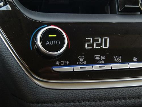 Toyota Corolla 2019 климат-контроль