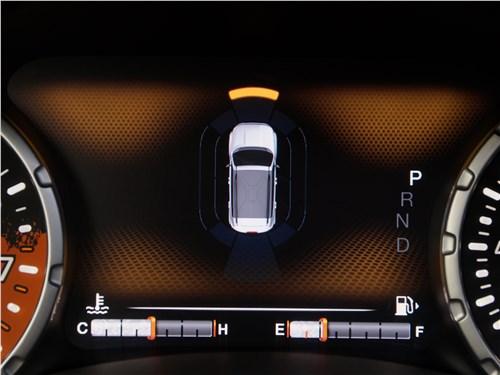 Jeep Renegade 2019 приборная панель