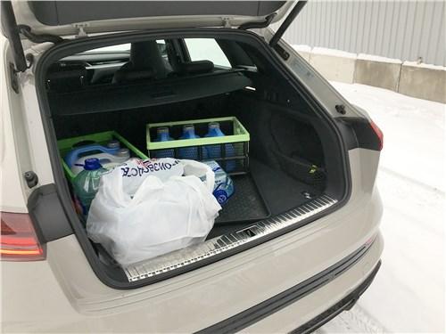 Audi e-tron (2020) багажное отделение