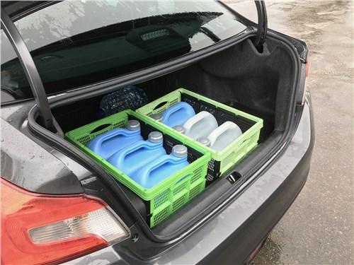 Subaru WRX Sport (2018) багажное отделение