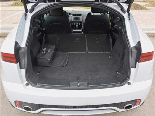 Предпросмотр jaguar e-pace (2018) багажное отделение