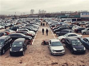 Вторичный авторынок укрепляет свои позиции на фоне спада продаж новых машин