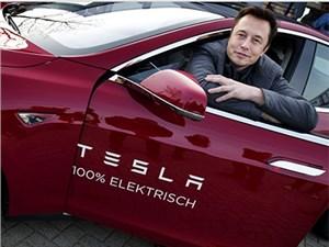 Новость про Tesla Motors - Илон Маск не видит равных Tesla Motors в сфере производства элементов питания
