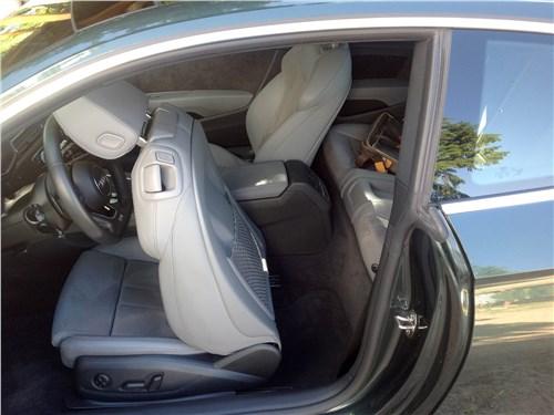 Audi A5 Coupe 2017 переднее кресло