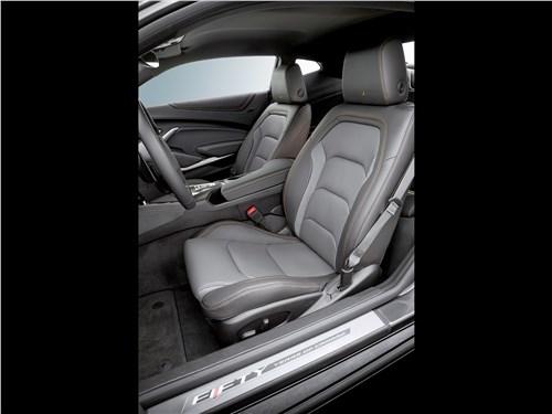 Chevrolet Camaro 2016 передние кресла