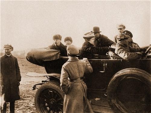 Ленин и автомобиль