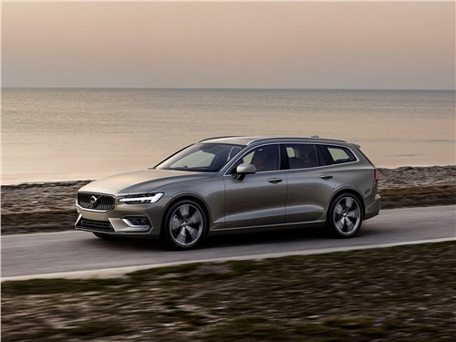 Volvo V60 2019 Большое плавание
