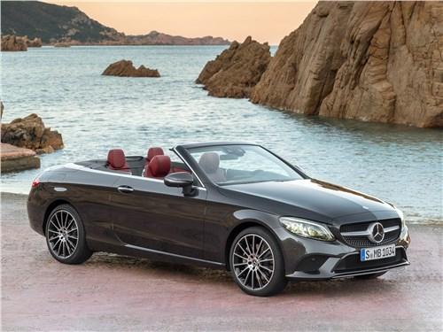 Mercedes-Benz C-Class Cabriolet 2019 Равнение на старших
