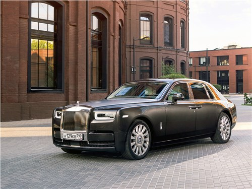 Rolls-Royce Phantom - rolls-royce phantom 2018 вид спереди