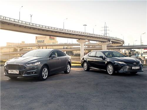 Toyota Camry - сравнительный тест ford mondeo 2015 и toyota camry 2018: в поисках водительского счастья