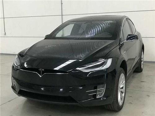 Tesla заковали в броню