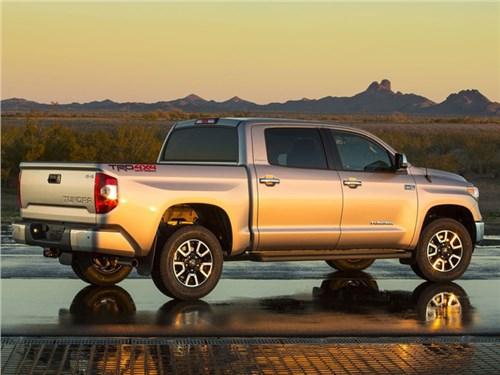 Toyota запатентовала встроенную мойку кузова
