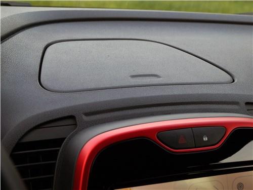Renault Kaptur 2016 торпедо
