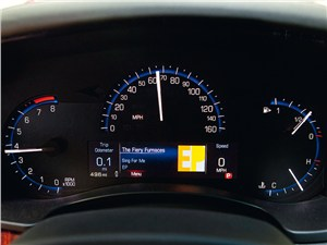 Cadillac ATS - Cadillac ATS 2012 приборная панель