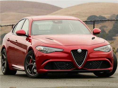 Alfa Romeo отложила выпуск конкурента «пятерки» BMW