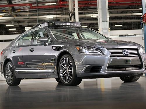 Toyota показала собственный автономный автомобиль