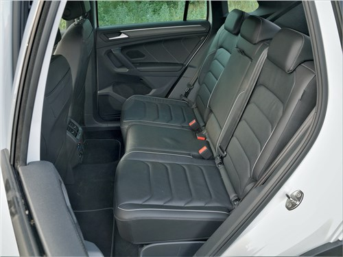 Volkswagen Tiguan R (2021) задний диван