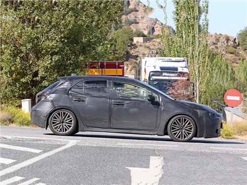 Toyota Auris уйдет в историю