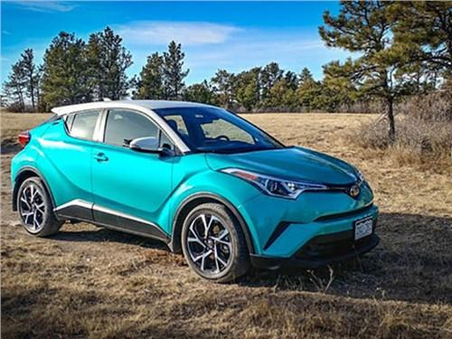 Toyota привезет в Россию свой самый маленький кроссовер