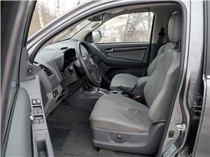 Chevrolet Trailblazer 2012 передние кресла