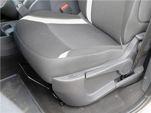 Предпросмотр renault kangoo 2014 передние кресла