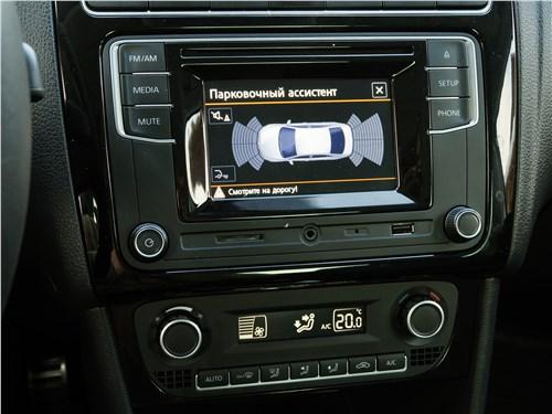 Volkswagen Polo GT 2016 центральная консоль