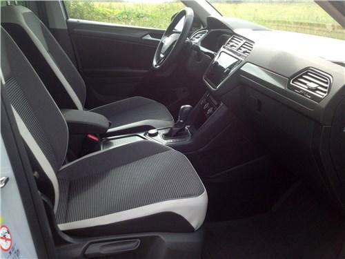 Volkswagen Tiguan 2017 передние кресла
