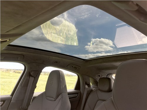Предпросмотр porsche cayenne turbo s e-hybrid coupe 2020 панорамная крыша