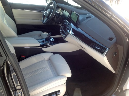BMW 6-Series Gran Turismo 2018 передние кресла