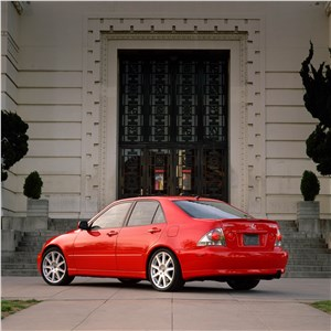 Предпросмотр lexus is300 2001 седан вид слева сзади