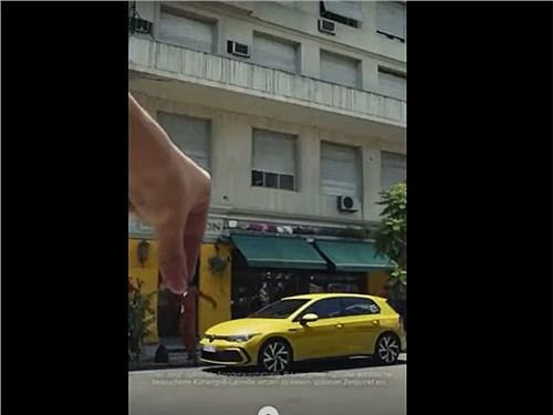 VW обвинили в создании оскорбительной рекламы.