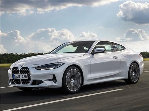 BMW 4-Series Coupe 2021 вид спереди сбоку