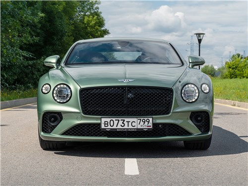 Bentley Continental GT V8 (2020) вид спереди