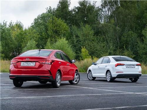 Hyundai Solaris (2020) и Skoda Rapid (2020) вид сзади