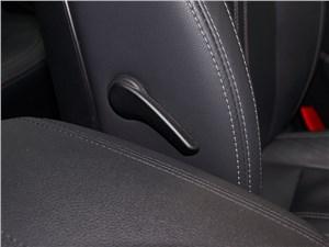Kia Sportage 2014 валик поясничного подпора