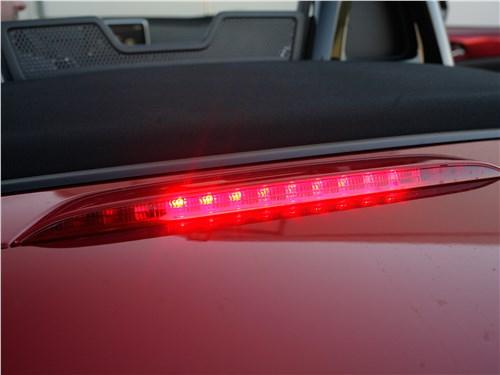Mazda MX-5 2015 повторитель стоп-сигнала
