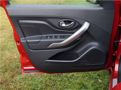 Lada XRay 2015 передняя дверь