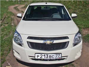 Chevrolet Cobalt 2013 вид спереди