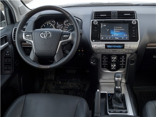 Toyota Land Cruiser Prado 2017 водительское место