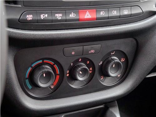 Fiat Doblo 2015 центральная консоль