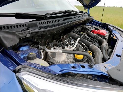 Renault Kaptur 2020 моторный отсек