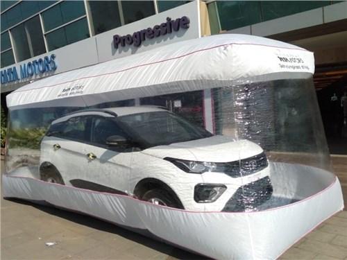 Индийцы продают автомобили в пузырях